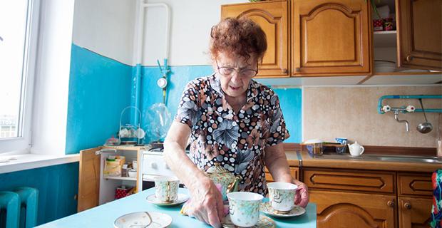 Adapter les logements soutient la mobilité, les relations sociales et l'autonomie des personnes âgées.